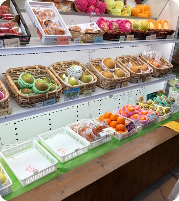 店内のフルーツ