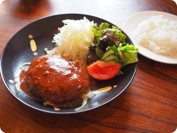 阿久比キッチン鉢の木ハンバーグ